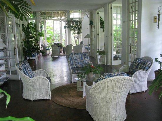 Goblin Hill Villas at San San : Quiet elegance in the common areas