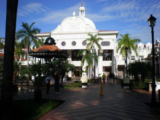 Hotel Riu Palace Riviera Maya : main building at front of resort, (on a sunny day)