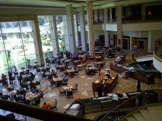 JW Marriott Mumbai Juhu: Lotus Cafe Breakfast