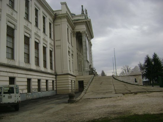 Mora Ferenc Muzeum: Mora Ferenc Museum