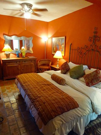 Casa Calderoni Bed and Breakfast: Fernando Botero Room Update 2