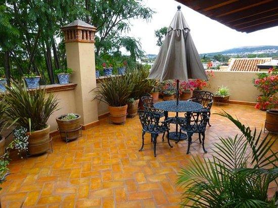 Casa Calderoni Bed and Breakfast: Paul Gauguin Terrace Update Casa Calderoni has qualify the rooms.