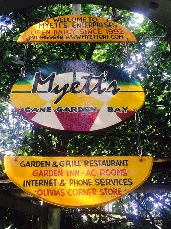 Myett's Garden Inn: Welcome sign