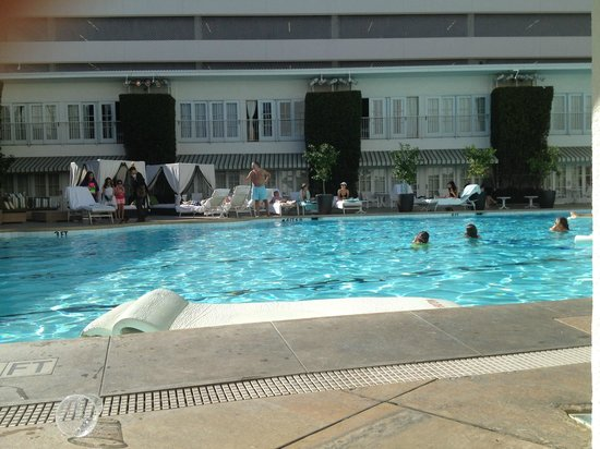 The Beverly Hilton: Piscine
