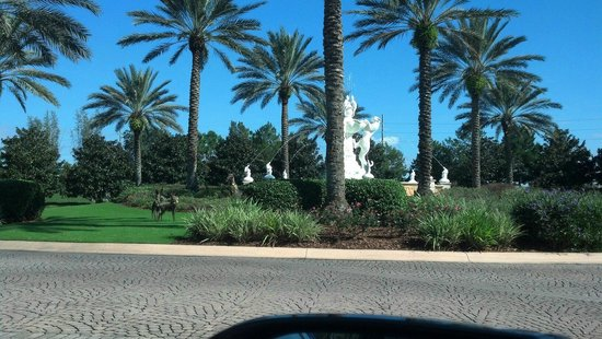 The Ritz-Carlton Orlando, Grande Lakes : 83 degrees in December