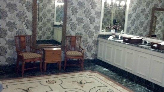 The Ritz-Carlton Orlando, Grande Lakes : Nice bathroom