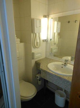 Aberotel Montparnasse: il bagno