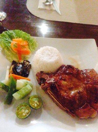 Giuseppe's Italian-Filipino: Grilled pork chop