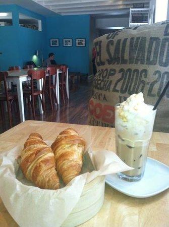 Cafe Moka: Add a caption