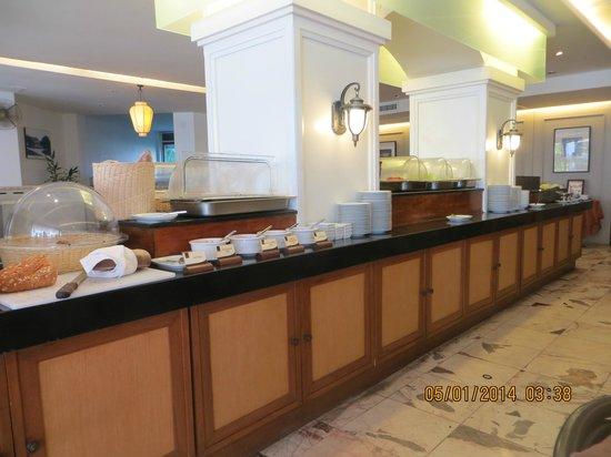 Sawaddi Patong Resort & Spa: zona colazione