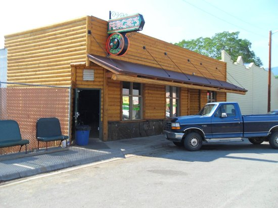 Fergie's Pub & Grill: Right on Main Street downtown Hot Springs!