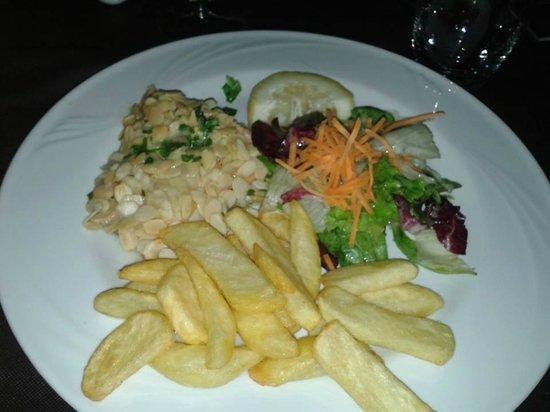 Chic Food & Drink: salmone in crosta di mandorle