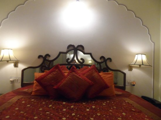 Dera Rawatsar: my room and lovely bed