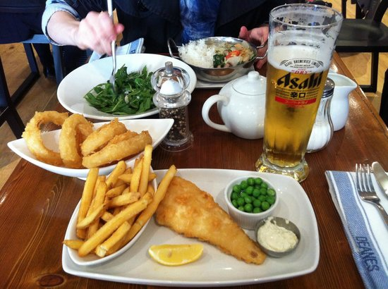 Deane's at Queens: Fish and Chips for me