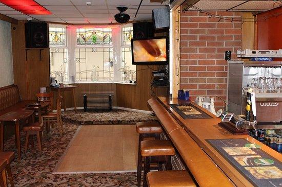 The Florida Hotel: bar area and big scfeen tv