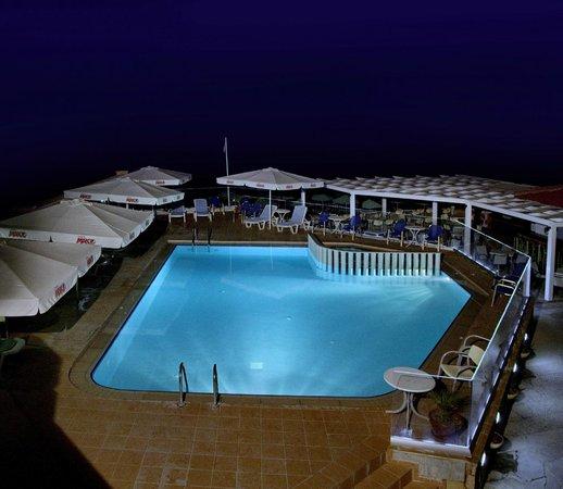 Jo an beach hotel r thymnon gr ce voir les tarifs 5 for Hotel a prix bas