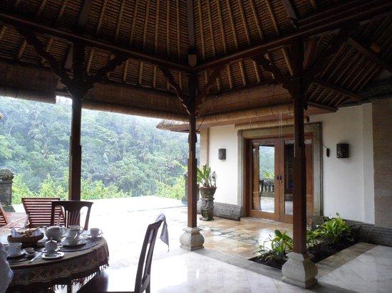 Puri Wulandari Boutique Resort: large open terrace