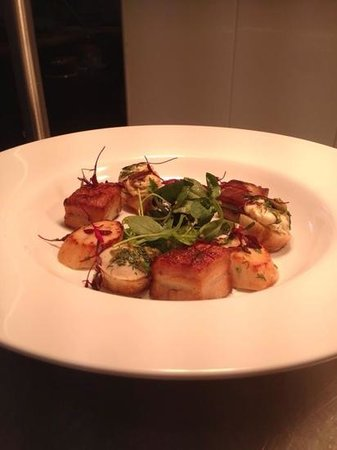 The Marram Grass Cafe: scallops,pan seared bely pork, caper dressing rocket and red amaranth salad