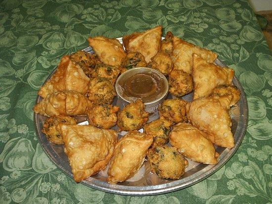 Curry Express : Samosa & Pakora Platter