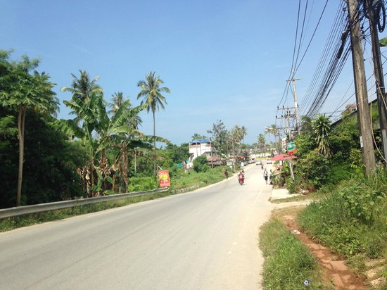 Krabi Sands Resort: Street down from the hotel