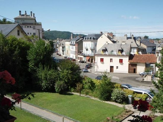 Les Dix Arches : View from long balcony towards town