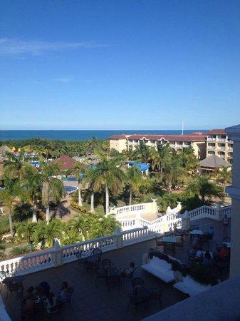 IBEROSTAR Laguna Azul: Overlooking resort