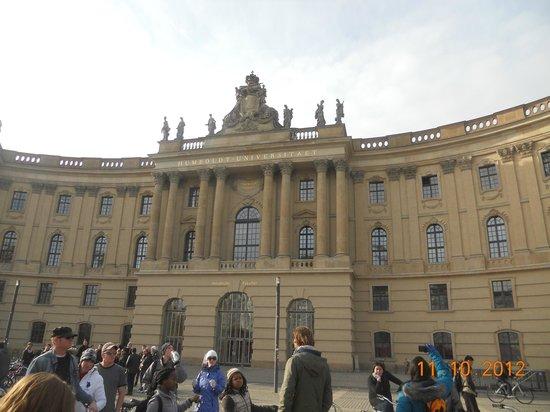 Bebelplatz: Humboldt University