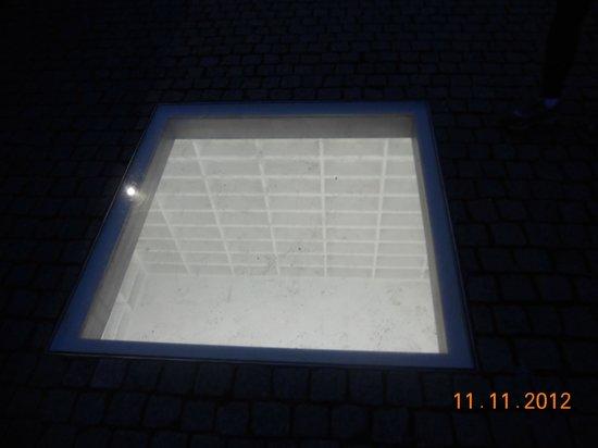Bebelplatz: empty bookshelves