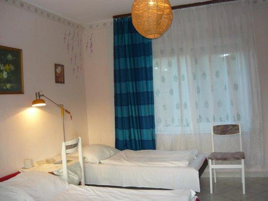 Youth Hostel Villa Benjamin: three -bed room