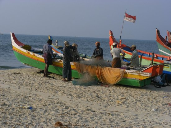 Arakal Heritage: Fishermen on the beach