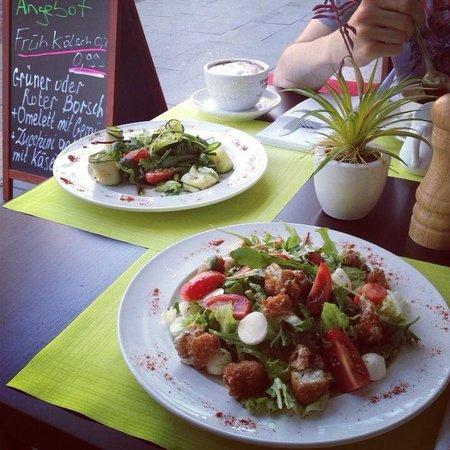 Pan & Pani: Salat