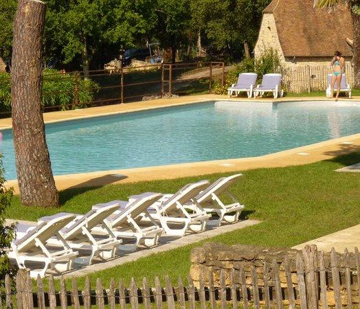 La piscine de 25m hameau du sentier des sources sarlat for Piscine 25m