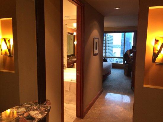 Grand Hyatt Seattle: Guest Room Entry