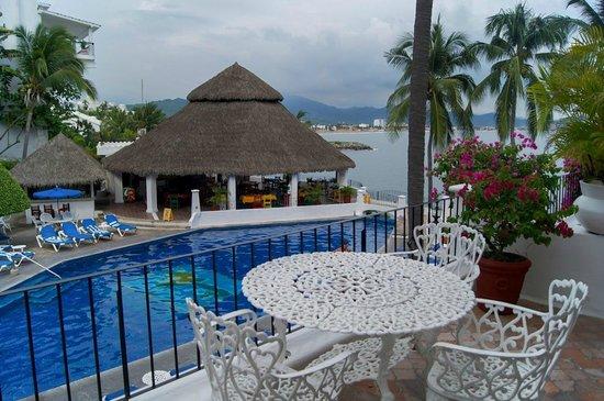 Dolphin Cove Inn: Vista de habitación