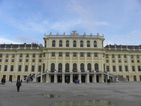 Schloss Schönbrunn: Garden side