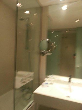 El Madrono: Baño