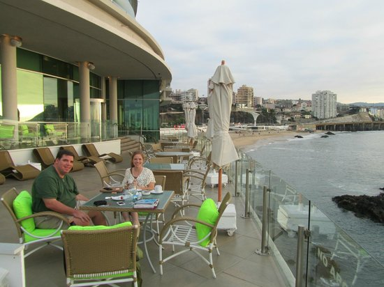 Sheraton Miramar Hotel & Convention Center : Our favorite spot at the hotel! Back patio.