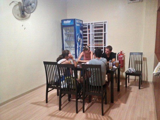Ajit Guest House & Hotel: Daining table