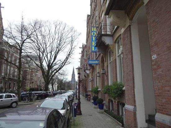 Hotel Alexander: rua