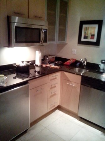GALLERYone - A DoubleTree Suites by Hilton Hotel: Cuisine