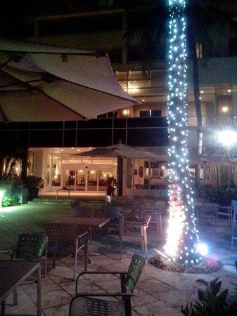 GALLERYone - A DoubleTree Suites by Hilton Hotel: Extérieur