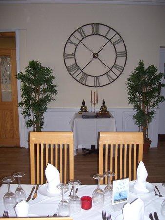 Travel Plaza Market Harborough Hotel: The Clock Wall