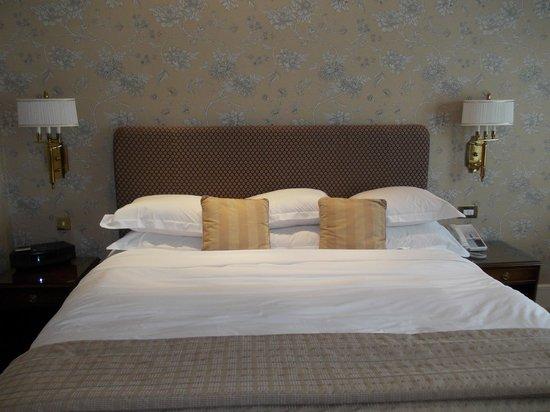The Chester Grosvenor: huge bed