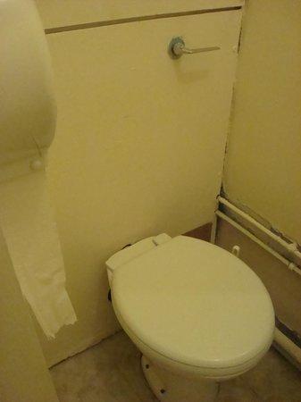 Abrahams Hostel : Single room - bathroom