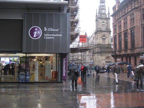 Buchanan Street: Heading south