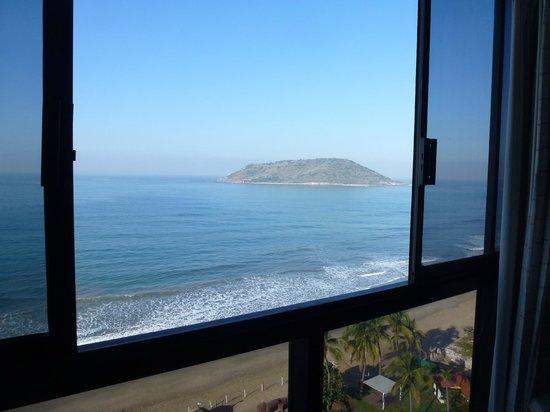 El Cid El Moro Beach Hotel: view from our room # 9124