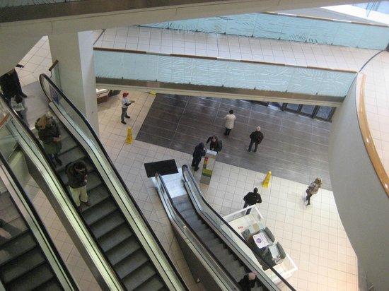 Buchanan Street: Escalator