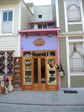 Motif Collection: The shop is surprisingly close to the Sultanahmet Mosque