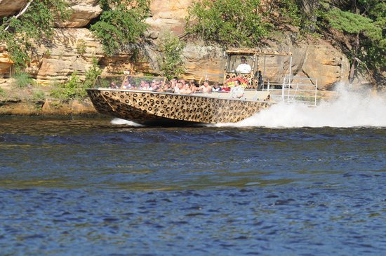Captain Ron's Original Dells Jet Boats: World Class Wisconsin River