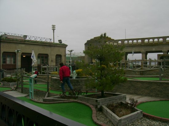 Glowgolf Miniature Golf